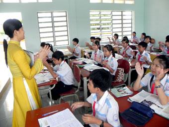 van mau hay mieu ta lai co giao luc say sua giang bai Hãy miêu tả lại cô giáo lúc đang say sưa giảng bài