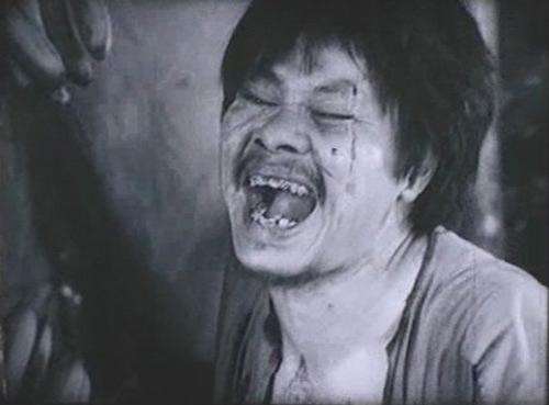 van mau y nghia cai chet cua nhan vat chi pheo va ba kien Ý nghĩa cái chết của hai nhân vật Chí Phèo và Bá Kiến