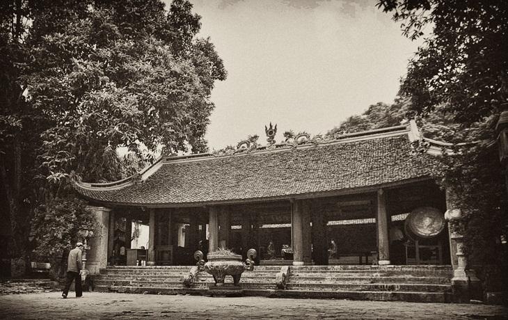 van mau phan tich chuyen chuc phan su o den tan vien cua nguyen du Phân tích bài Chuyện chức phán sự ở đền Tản Viên của Nguyễn Dữ