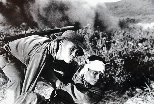 van mau phan tich nhan vat Viet trong truyen ngan nhung dua con trong gia dinh cua Nguyen Dinh Thi Phân tích nhân vật Việt trong tác phẩm Những đứa con trong gia đình của Nguyễn Thi