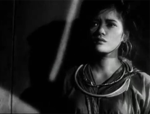 van mau phan tich tam trang va hanh dong cua nhan vat mi trong dem cuu a phu Phân tích tâm trạng và hành động của nhân vật Mị trong đêm cứu A Phủ
