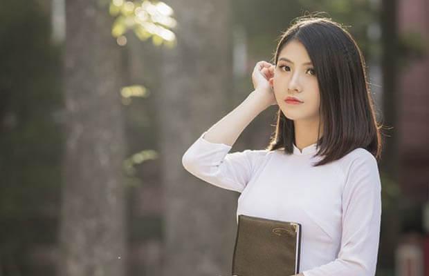 Bài viết số 3 lớp 12 đề 3: Hình tượng đất nước trong hai bài thơ của Nguyễn Đình Thi và Nguyễn Khoa Điềm